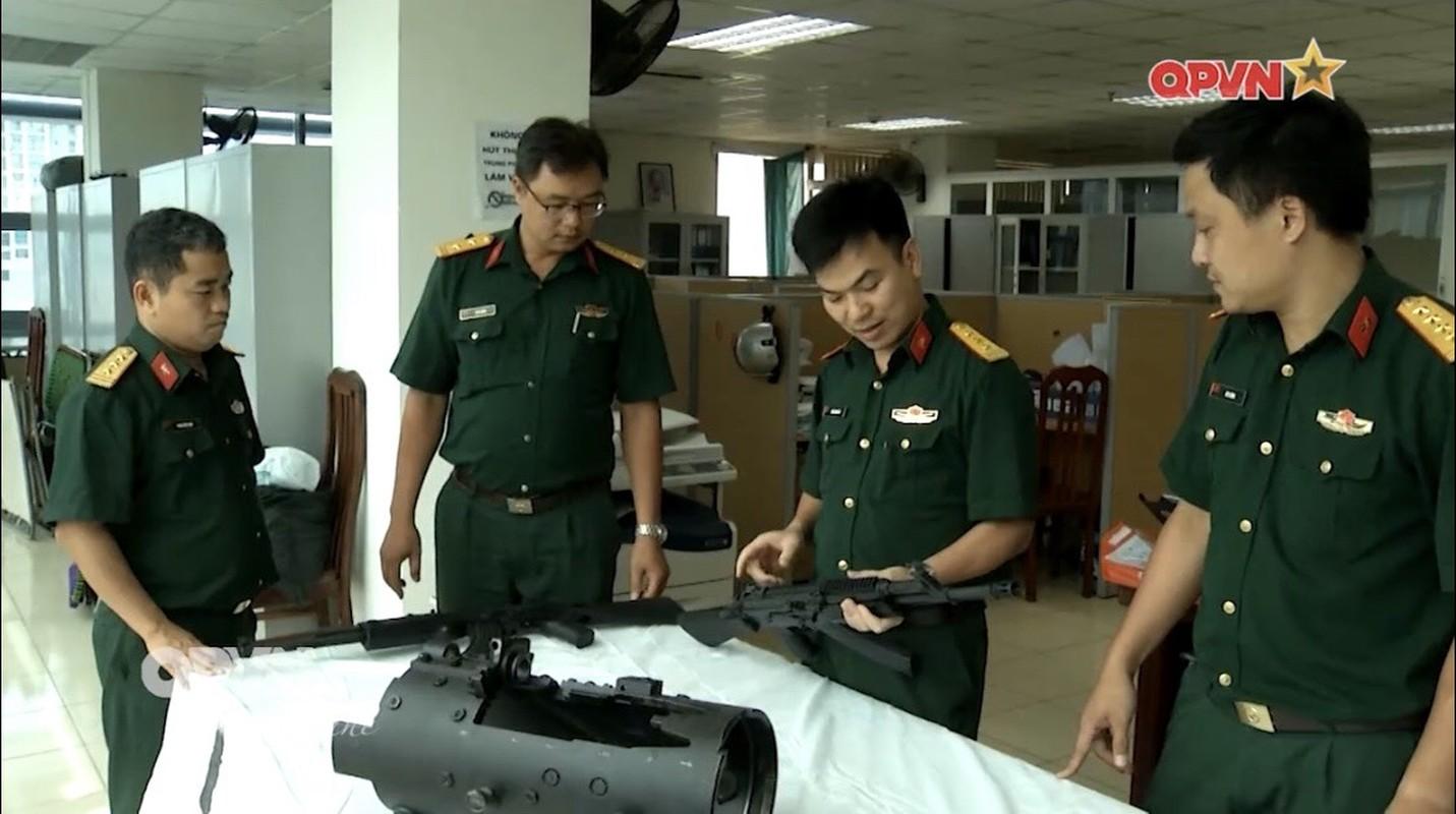 Kinh ngac sung truong STV-410 Viet Nam lan dau xuat hien tren truyen hinh