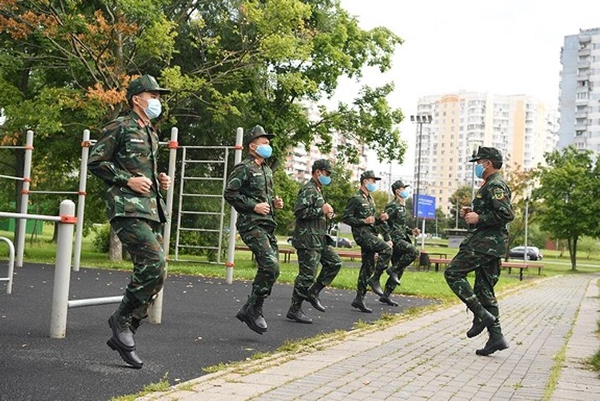 Linh ban tia Viet Nam nhan sung AK-74, SVD... khai hoa tai Army Games 2020-Hinh-11