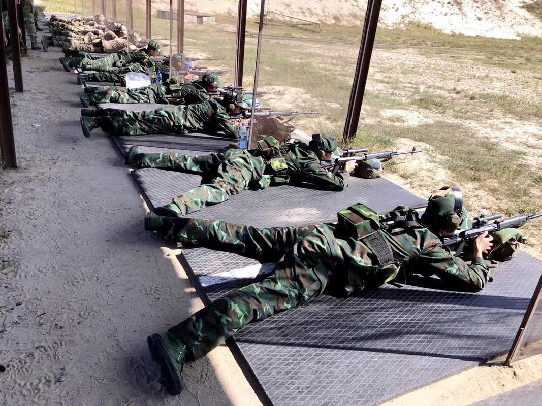 Linh ban tia Viet Nam nhan sung AK-74, SVD... khai hoa tai Army Games 2020-Hinh-5