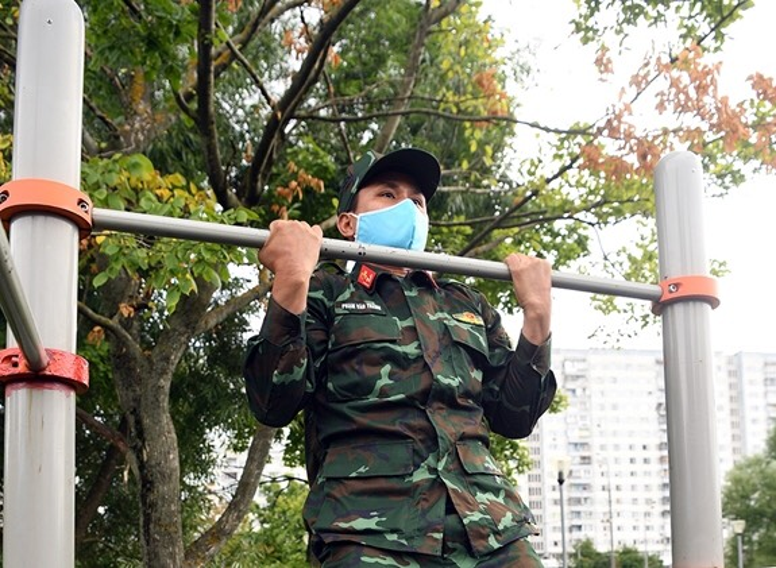 Linh ban tia Viet Nam nhan sung AK-74, SVD... khai hoa tai Army Games 2020-Hinh-9
