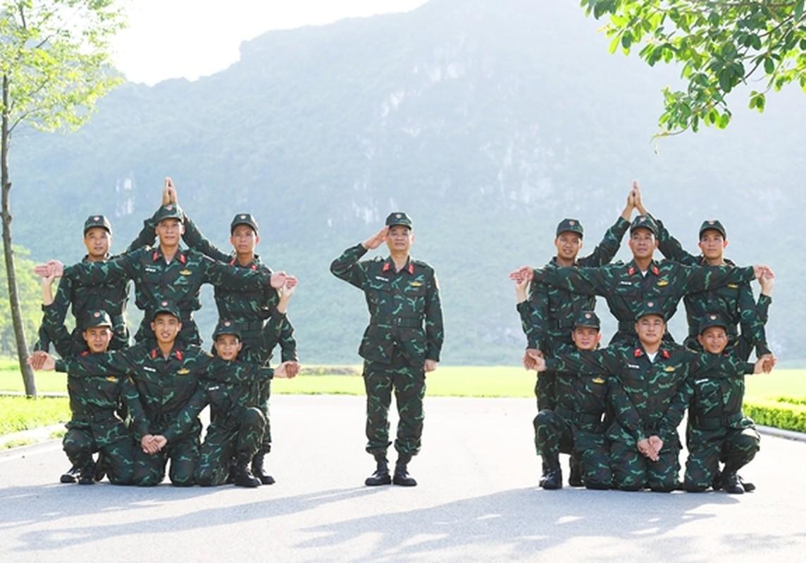 Soi doi hinh tuyen xe tang Viet Nam truoc gio xung tran Army Games 2020-Hinh-7