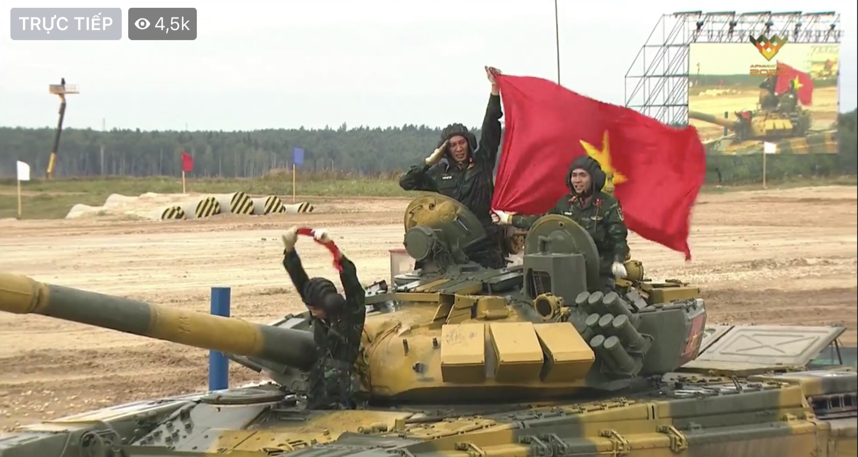 Chay nhanh, ban chuan... tuyen xe tang Viet Nam khai tran Army Games thang loi!-Hinh-10