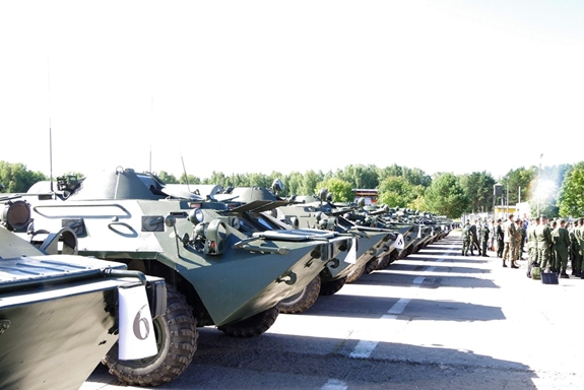 Thiet giap BTR-80 chay dong co, doi tuyen Hoa hoc Viet Nam chiu thiet-Hinh-3