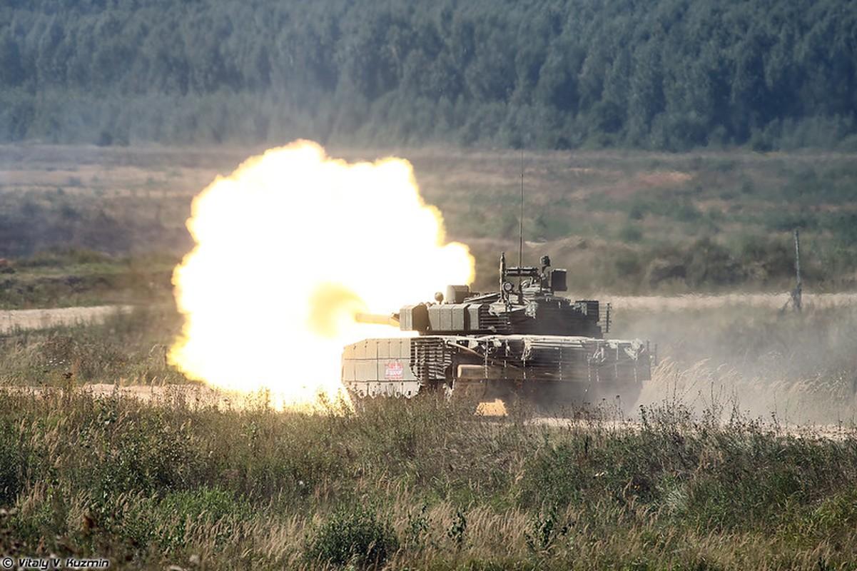 Sieu tang T-80BVM Nga trinh dien ban ten lua, tuong ghe gom hoa ra... truot!