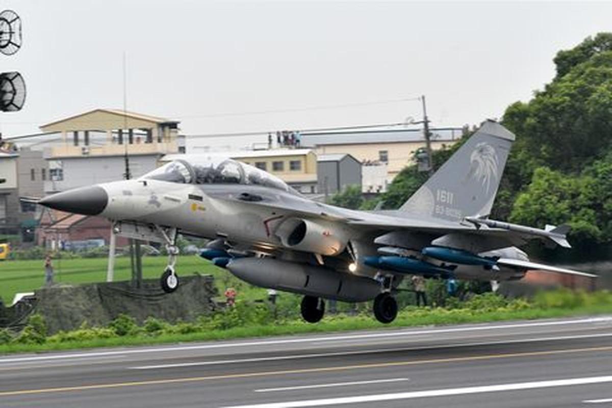 Vi sao thuong vu mua tiem kich F-16V cua dao Dai Loan lai quan trong?-Hinh-13