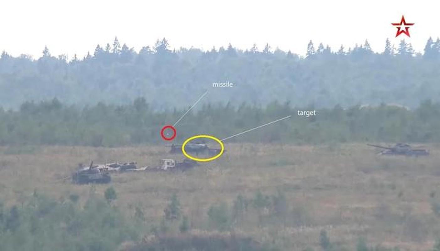 Tim nguyen nhan T-80BVM ban 5 qua ten lua, truot 4 khien Nga