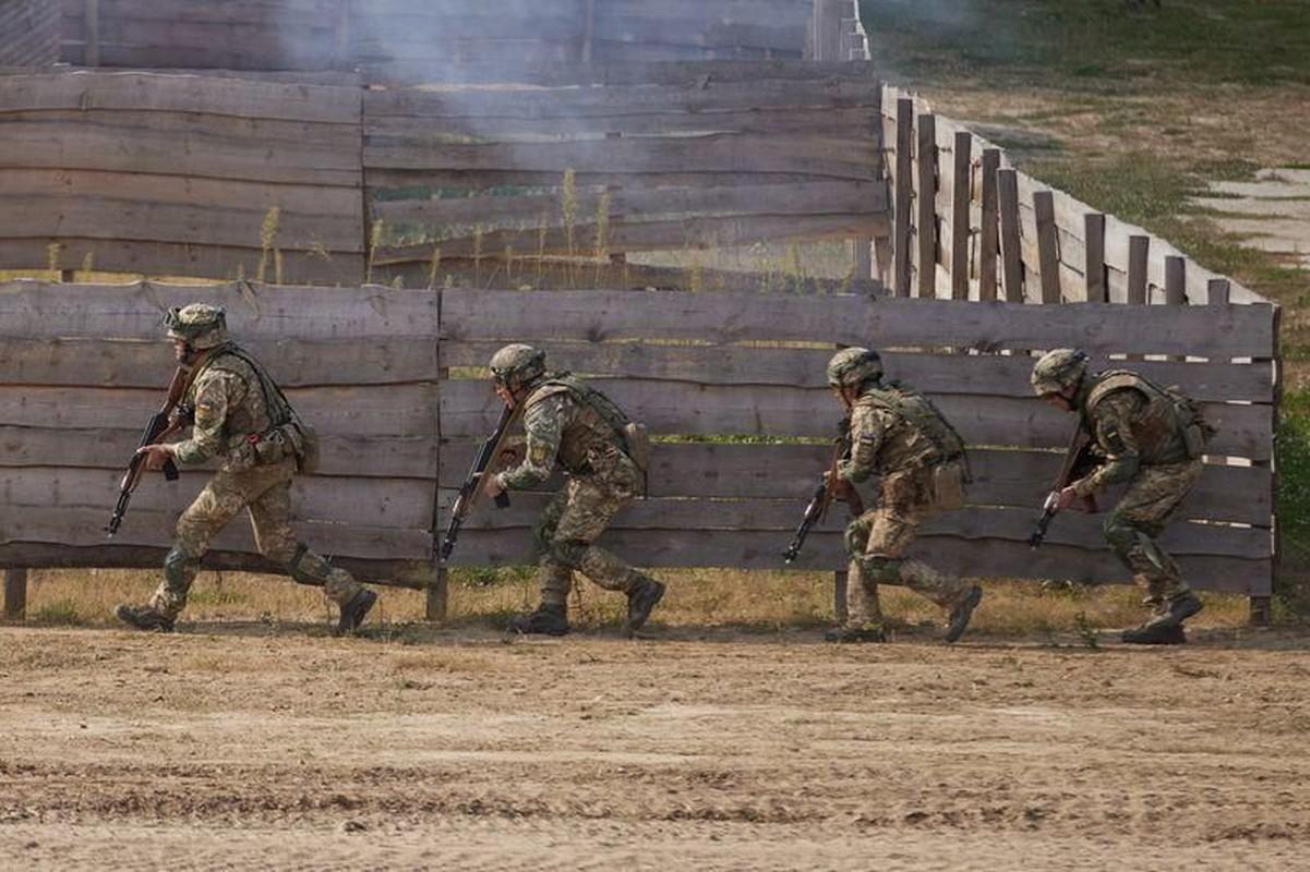Nong: Nghi van xe tang T-72 Ukraine dam chet 8 linh My