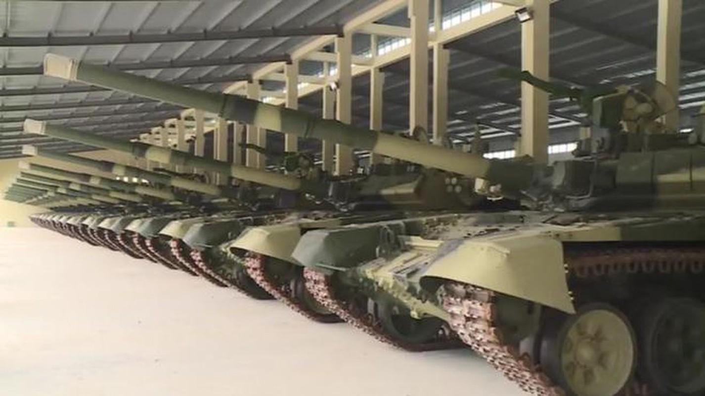 Sung may phong khong 12.7mm tren xe tang chu luc va buoc di lich su-Hinh-8