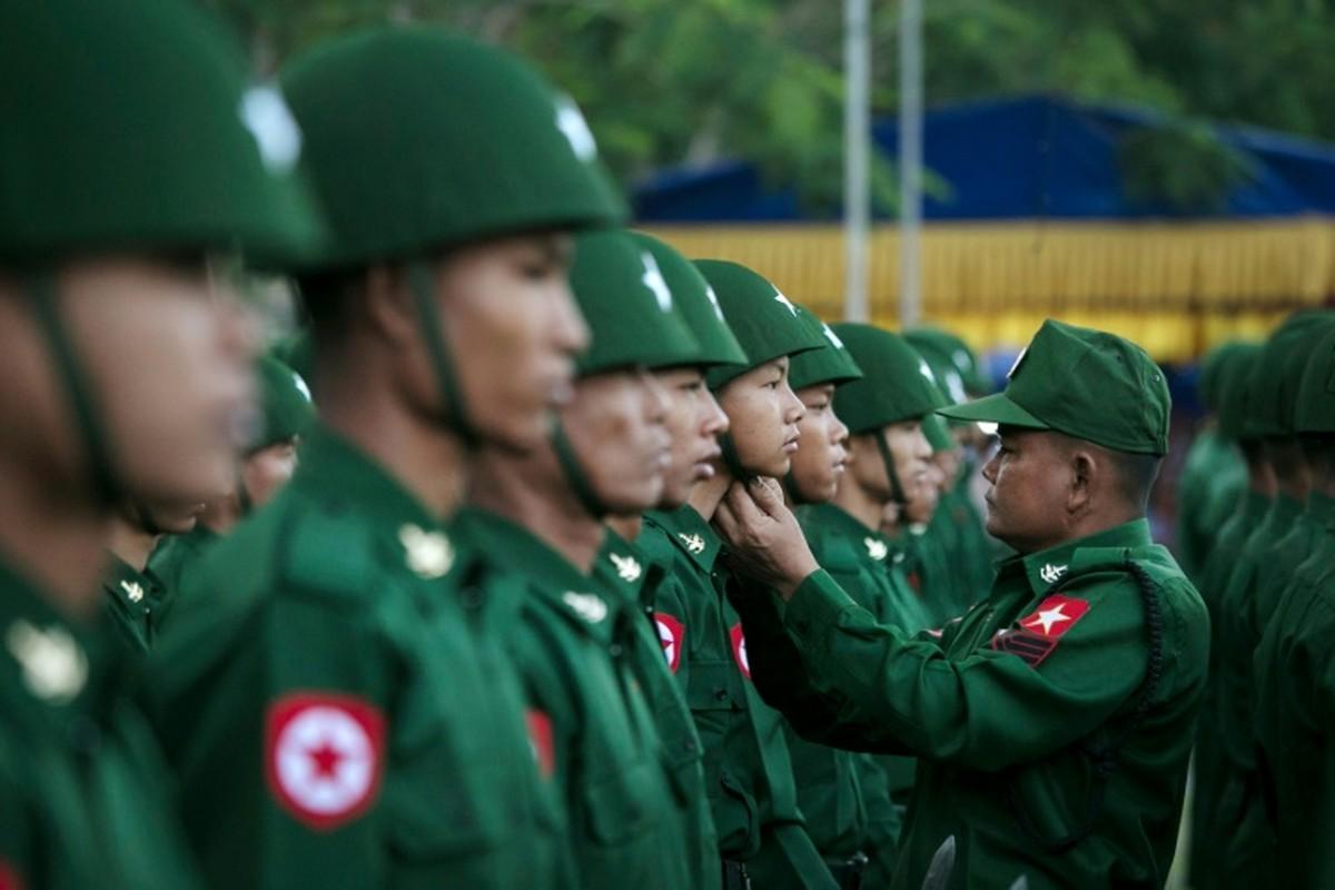 Tim hieu ve quan phuc nguy trang cua cac quan doi ASEAN (P2)-Hinh-2