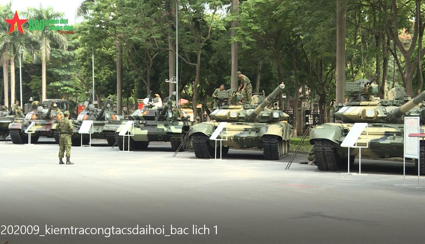 Choang ngop dan xe tang Viet Nam hien dai hoi tu giua long Thu do-Hinh-3
