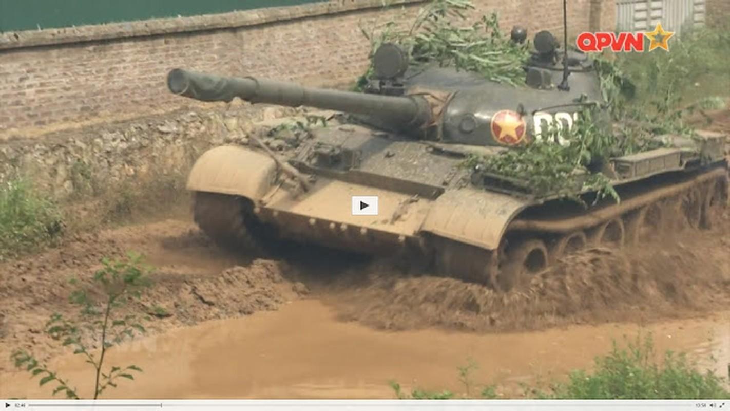 Choang ngop dan xe tang Viet Nam hien dai hoi tu giua long Thu do-Hinh-4