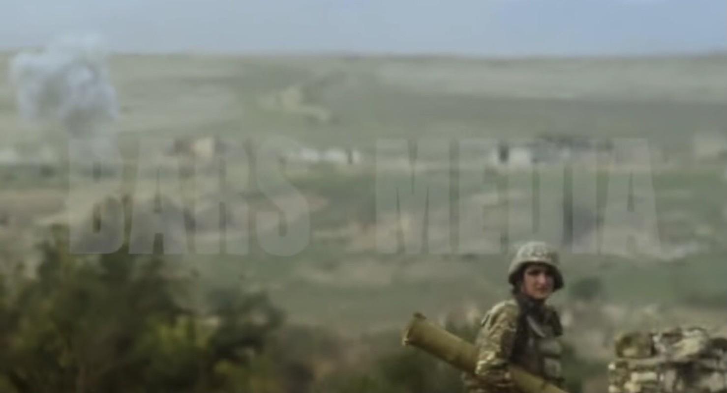 Kinh khung: 3 ngay giao chien, Azerbaijan mat hon 130 xe tang - thiet giap-Hinh-2