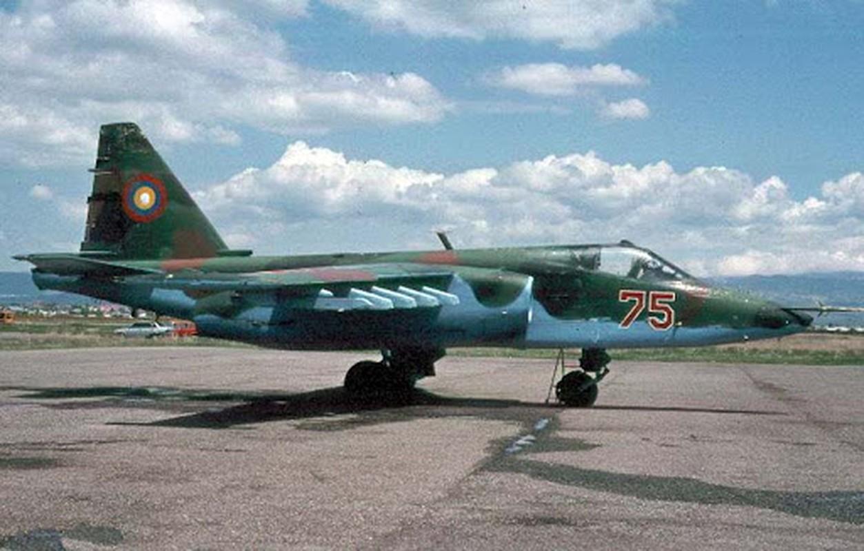 Bien cang: F-16 Tho Nhi Ky ban roi Su-25 Armenia, phi cong chet chay!