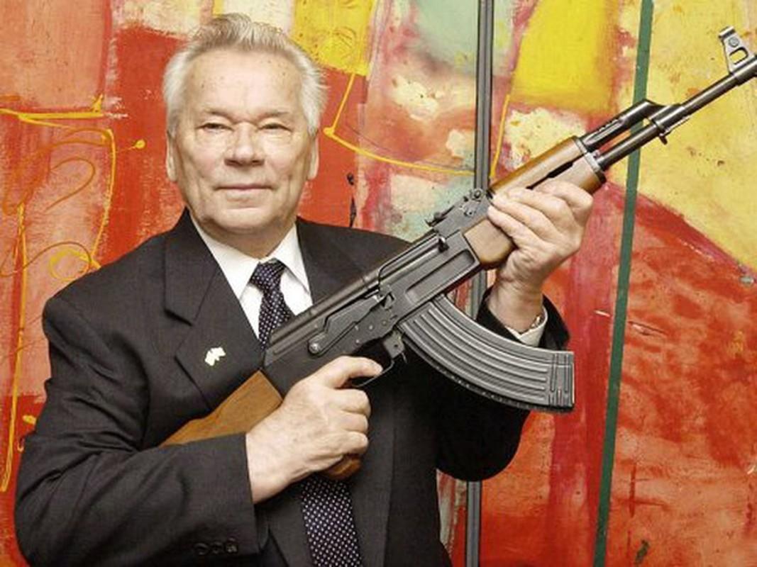 Nga trang bi AK-12 tren dien rong: Huyen thoai AK