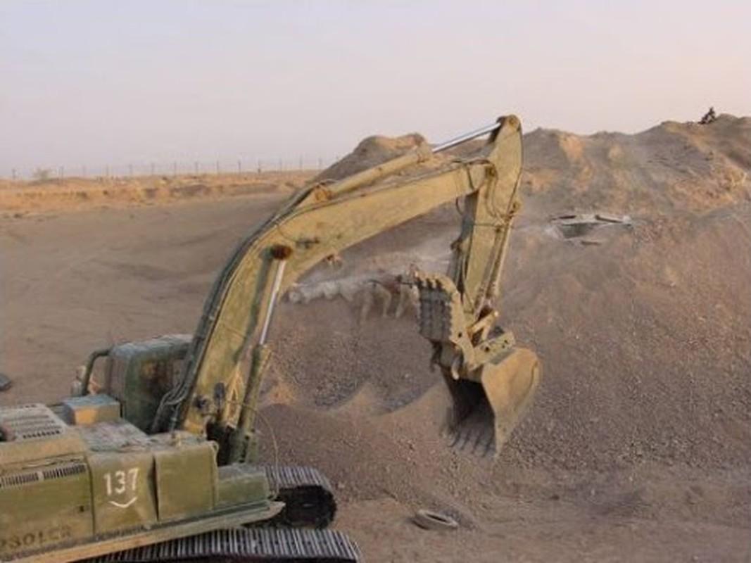 Giai ma vu Iraq chon giau 800 may bay chien dau trong sa mac-Hinh-13