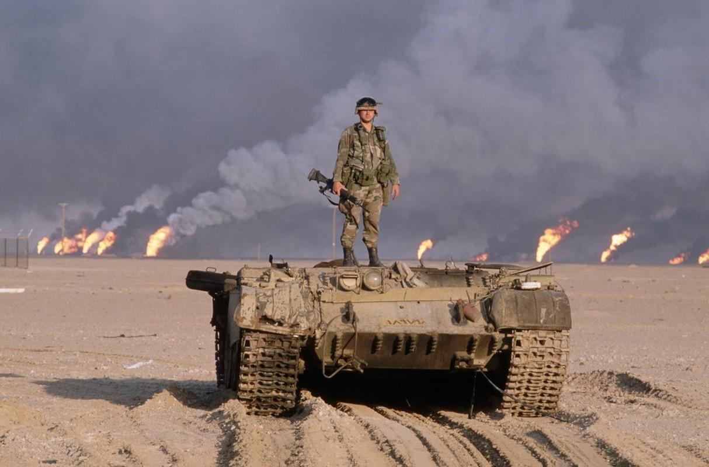 Giai ma vu Iraq chon giau 800 may bay chien dau trong sa mac-Hinh-6
