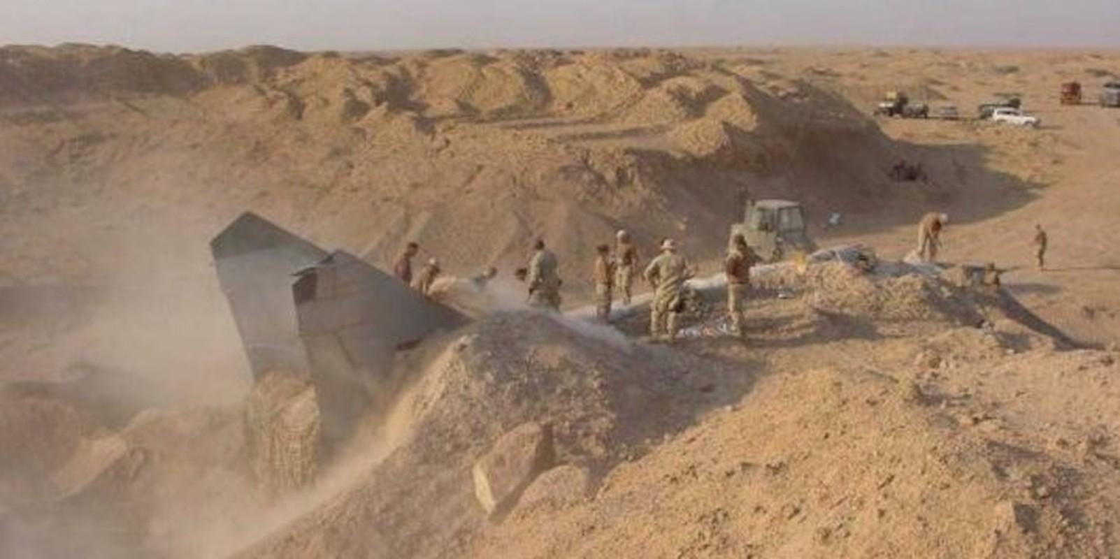 Giai ma vu Iraq chon giau 800 may bay chien dau trong sa mac-Hinh-9