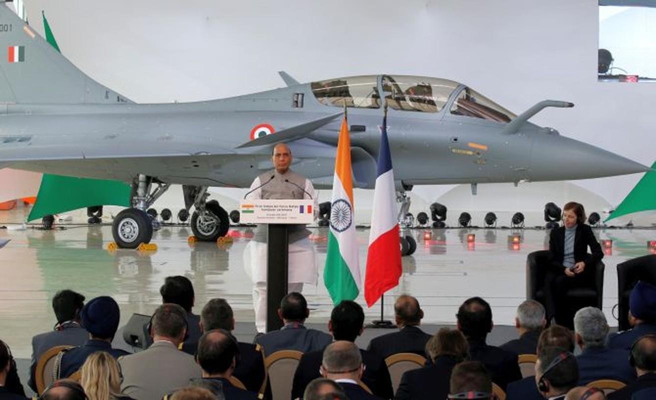 Trung Quoc chi can J-16 de chong lai Su-30 va Rafale cua An Do?-Hinh-11