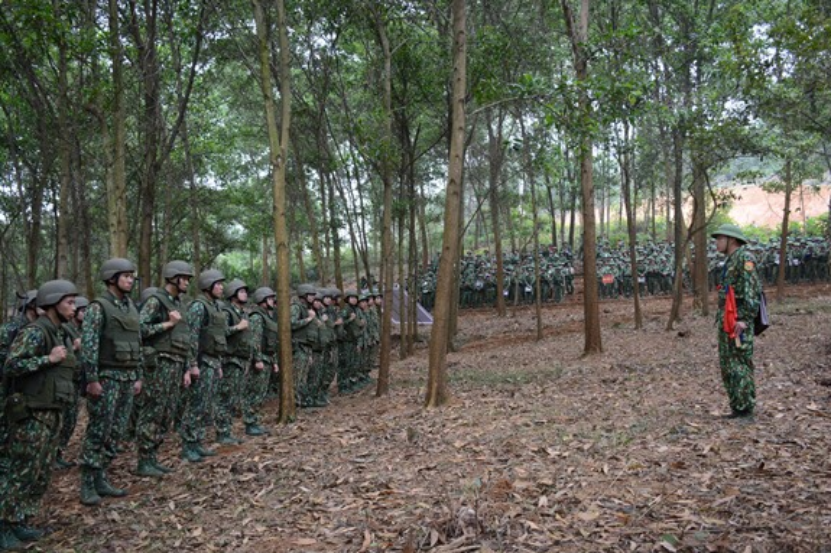 Dac nhiem Bien phong Viet Nam trang bi giap, mu chong dan hien dai-Hinh-3