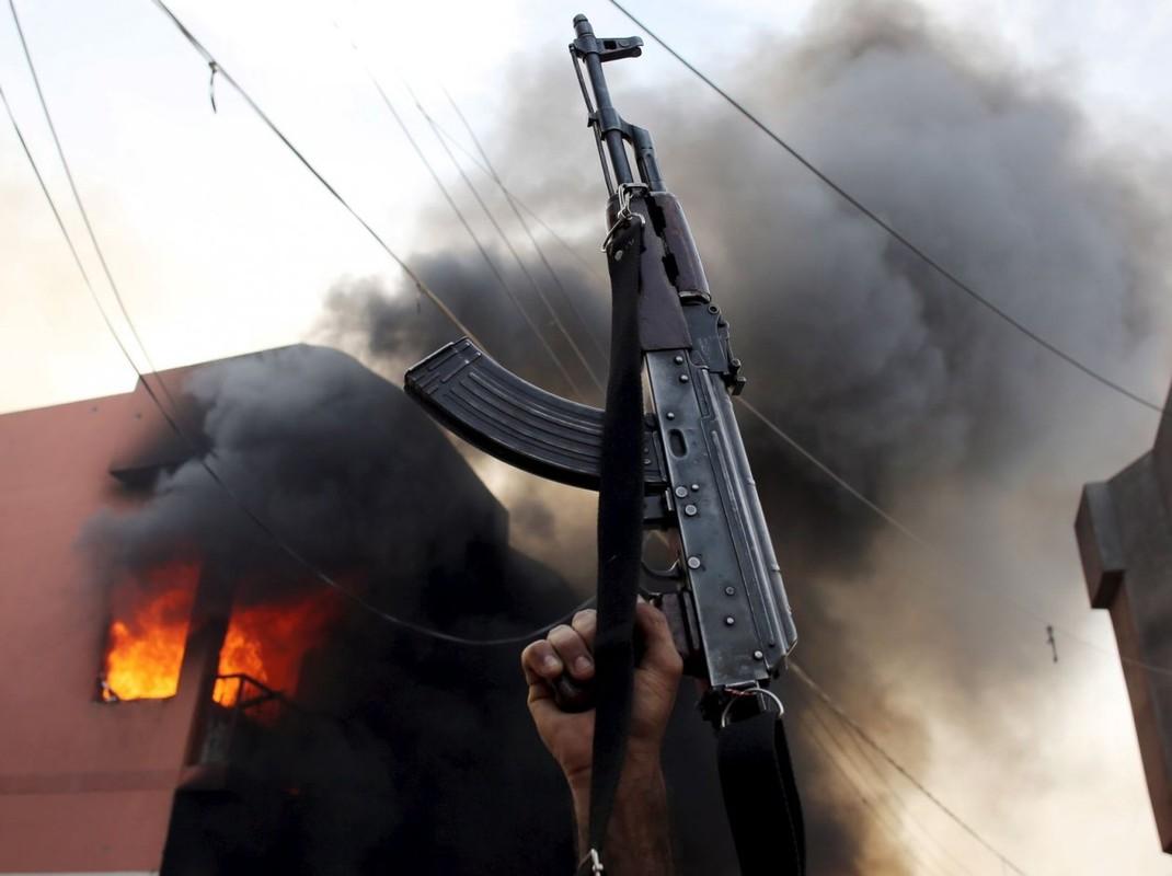 Nhung bien the manh nhat cua khau sung truong tan cong AK-47