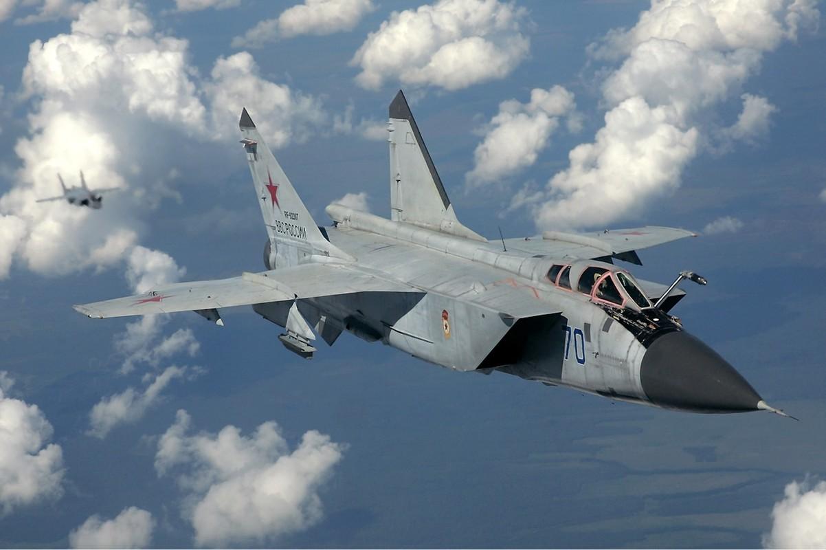 Trien khai MiG-31 sat My vao luc nhay cam, Nga dang du tinh gi?-Hinh-2