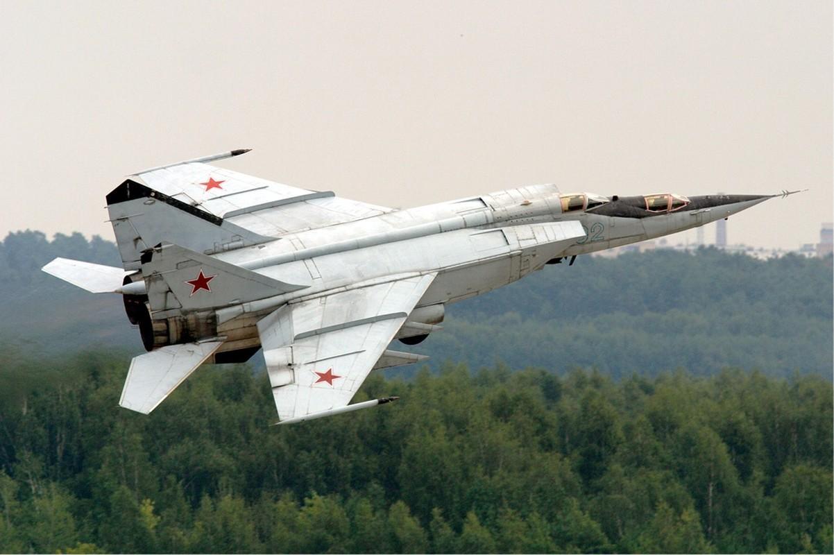 Trien khai MiG-31 sat My vao luc nhay cam, Nga dang du tinh gi?-Hinh-6