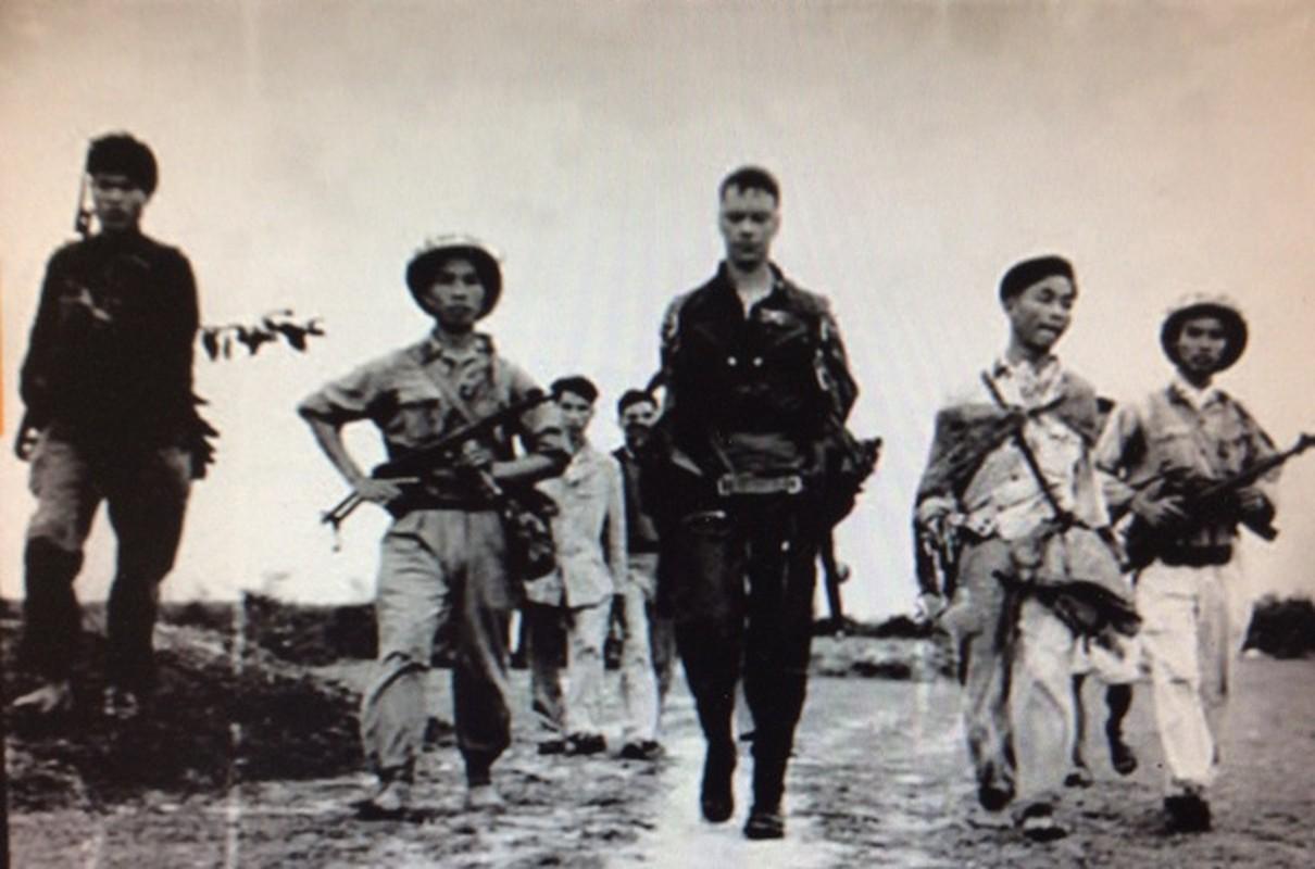 48 nam ngay chiec B-52 dau tien bi ha tren bau troi Ha Noi-Hinh-13