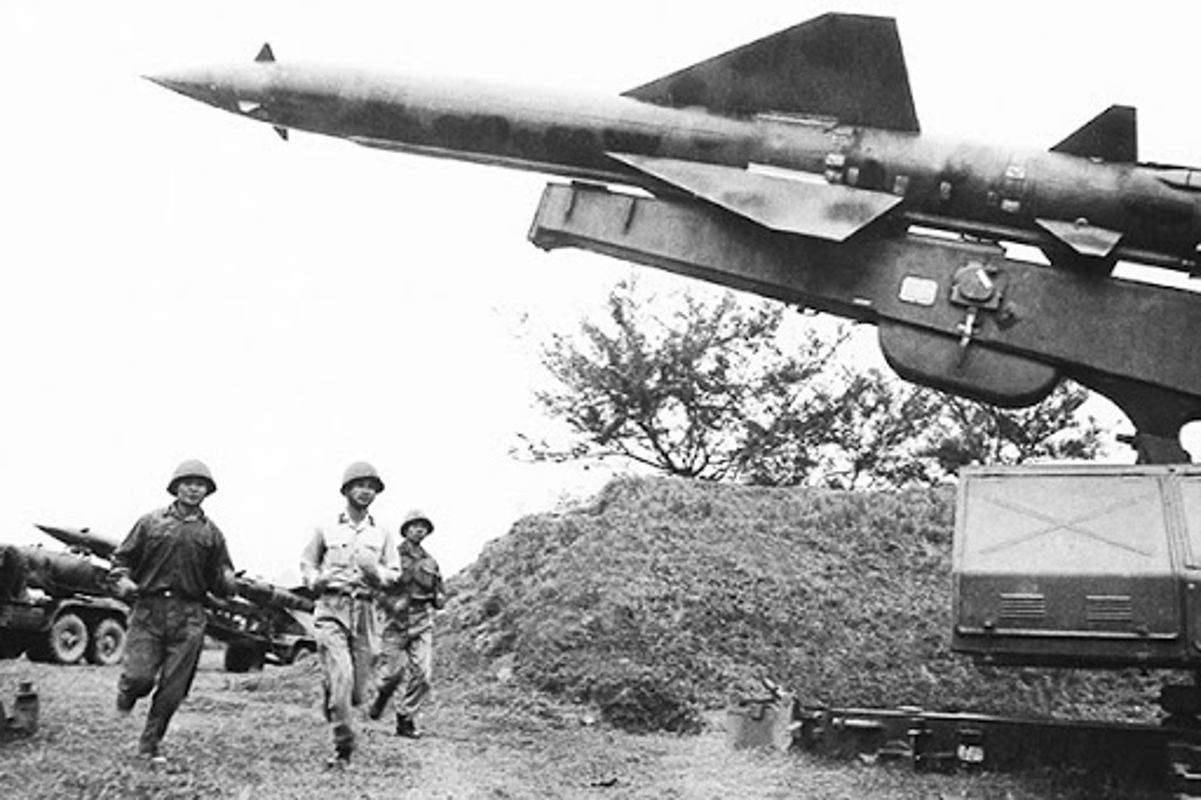48 nam ngay chiec B-52 dau tien bi ha tren bau troi Ha Noi-Hinh-4