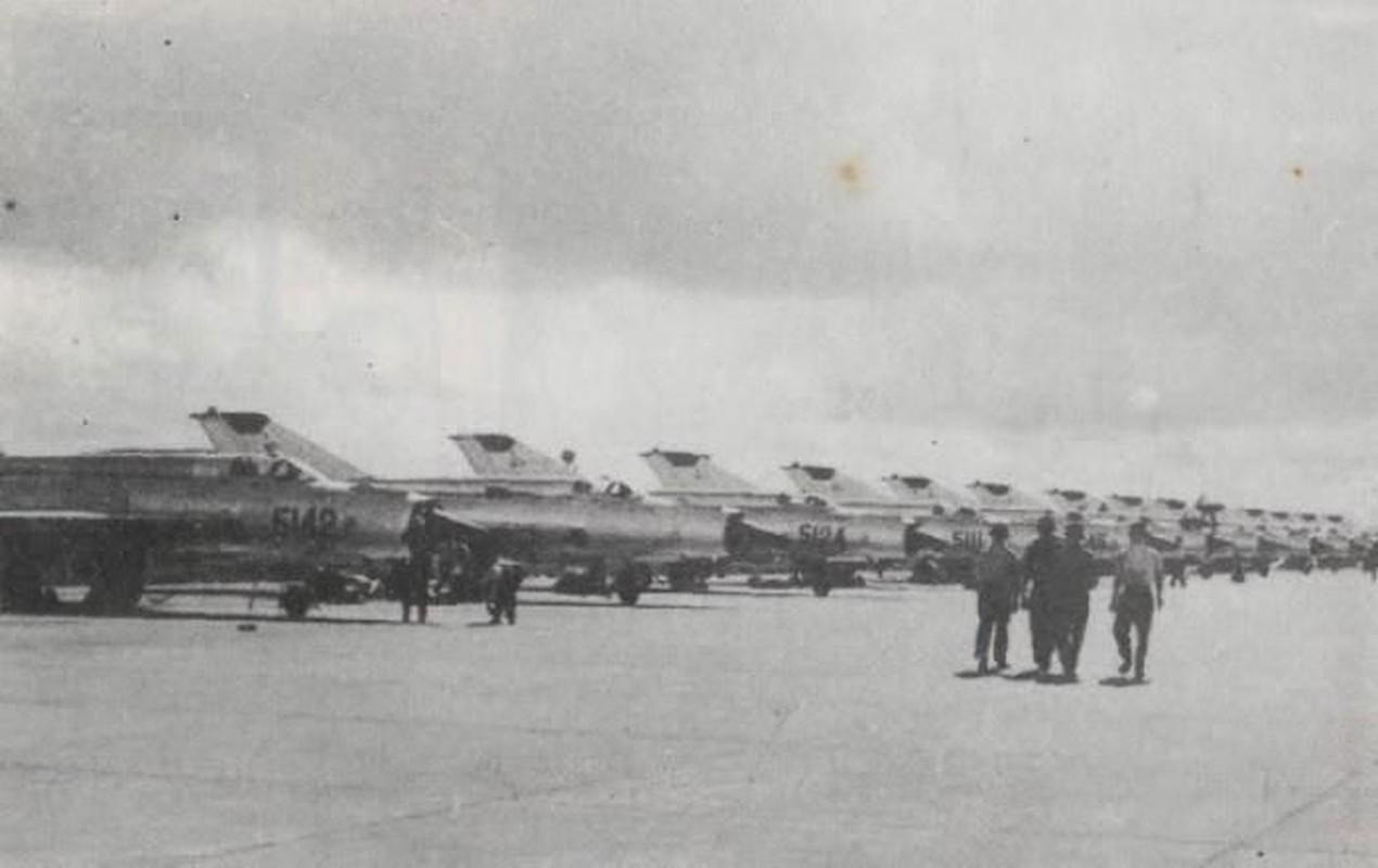 Diem mat loat tiem kich MiG-21 Khong quan Viet Nam doi dau B-52 My-Hinh-9