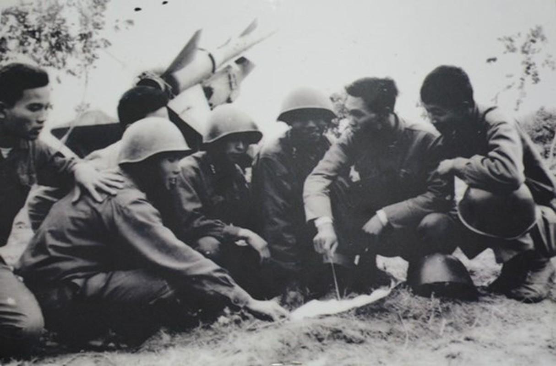 Dien Bien Phu tren khong: Viet Nam phong bao nhieu ten lua SAM-2?-Hinh-9