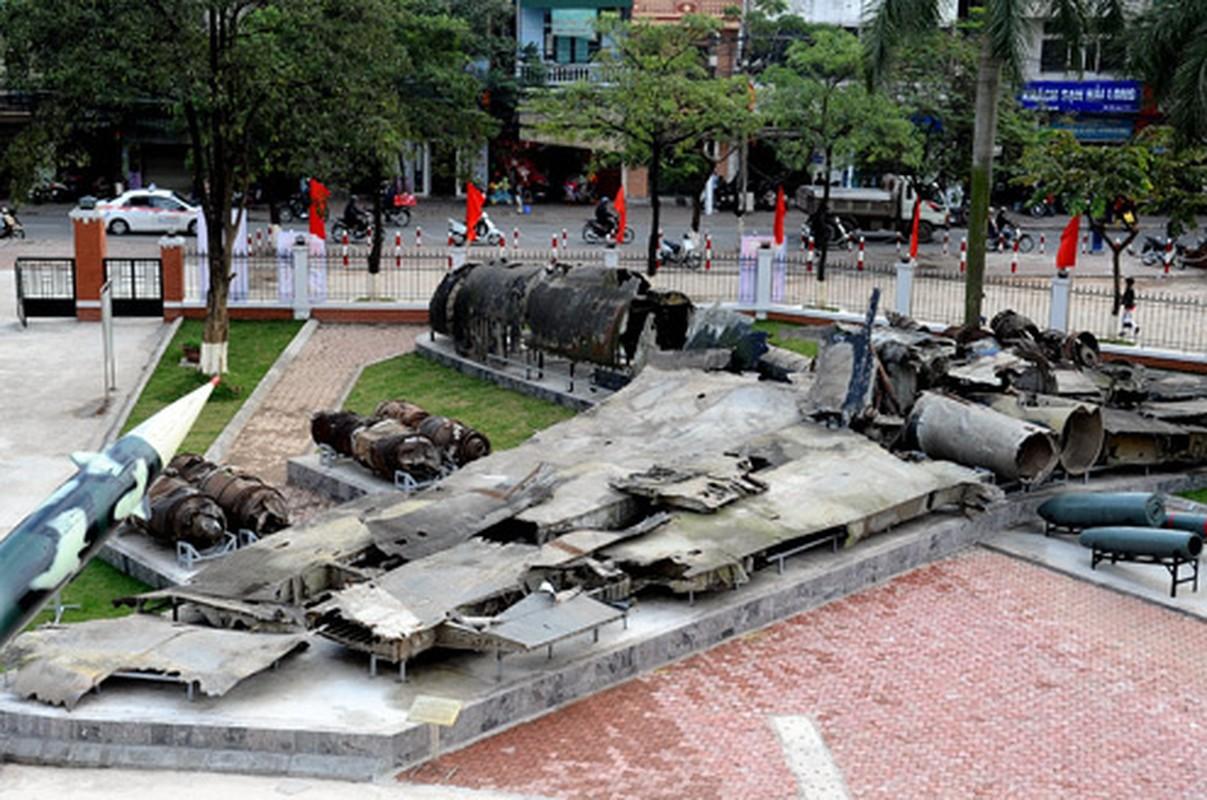 Duy nhat Viet Nam lam duoc: Ban ha Phao Dai Bay B-52 bang phao-Hinh-15