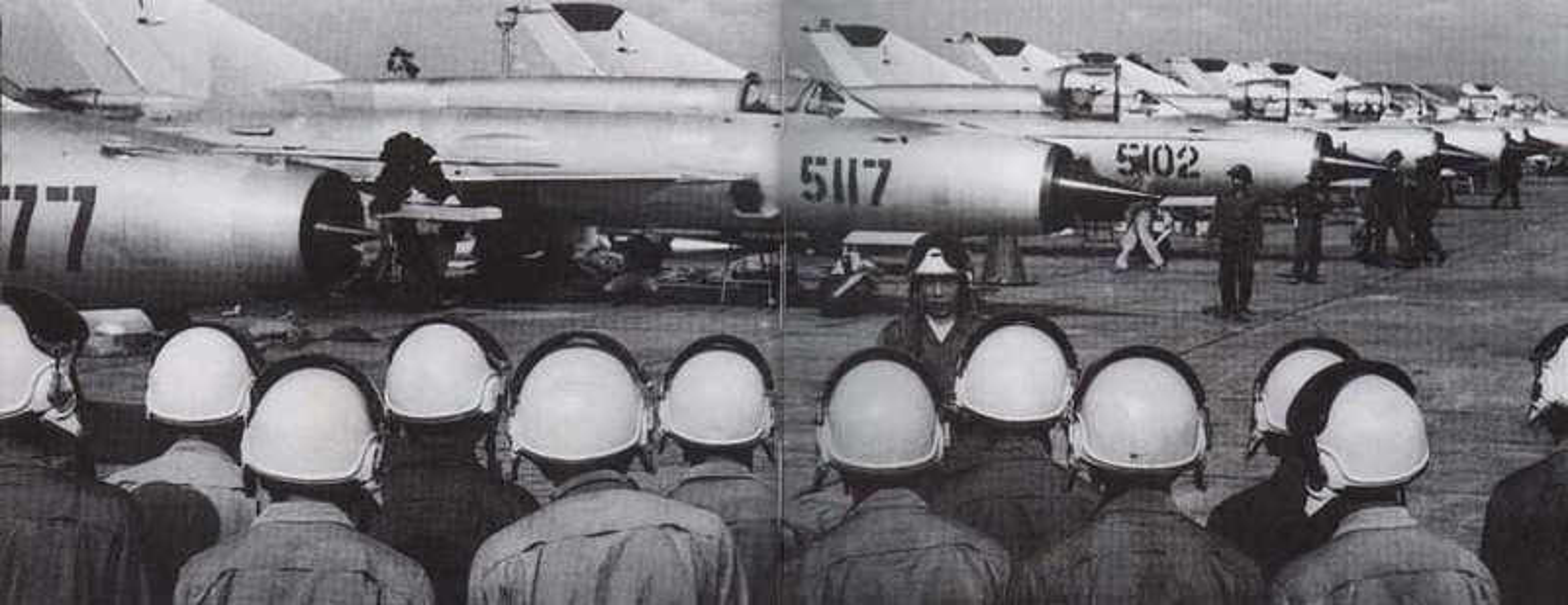 MiG-21 cua phi cong Pham Tuan da vuot mat F-4 de ha B-52 ra sao?-Hinh-3