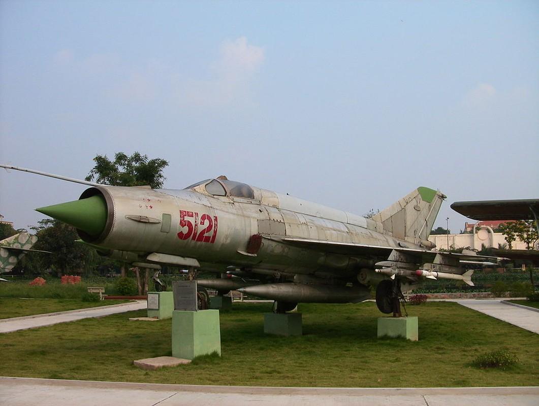 MiG-21 cua phi cong Pham Tuan da vuot mat F-4 de ha B-52 ra sao?-Hinh-5