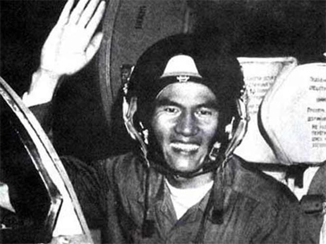 MiG-21 cua phi cong Pham Tuan da vuot mat F-4 de ha B-52 ra sao?-Hinh-9