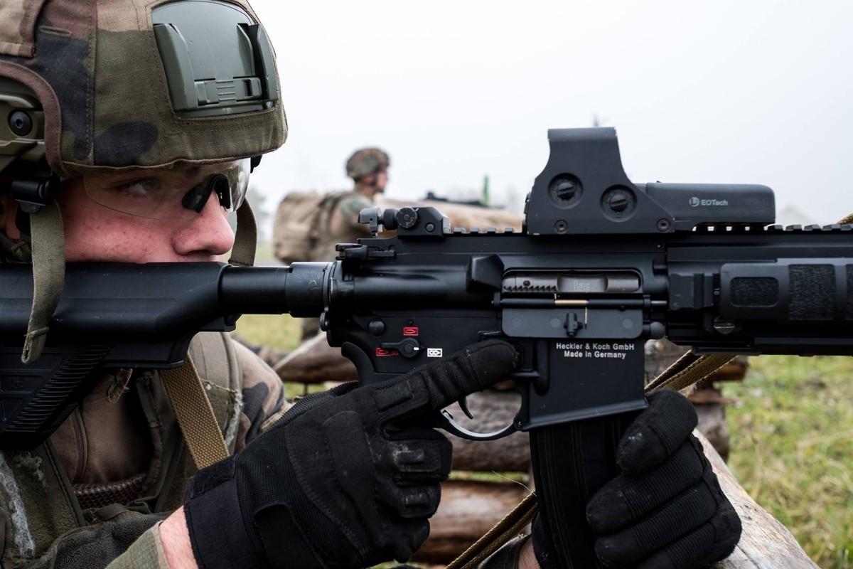 Quan doi Phap chon sung truong tan cong HK-416F lam vu khi chinh-Hinh-11