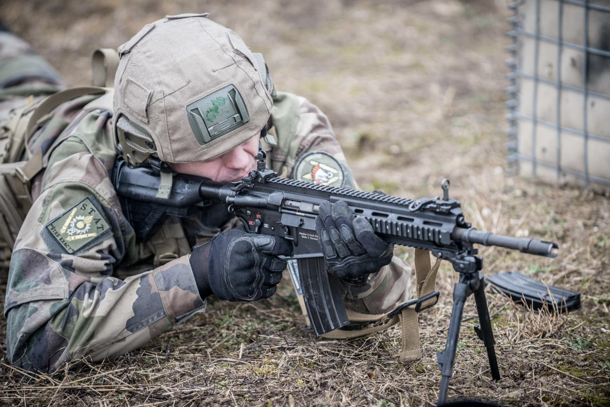 Quan doi Phap chon sung truong tan cong HK-416F lam vu khi chinh-Hinh-8