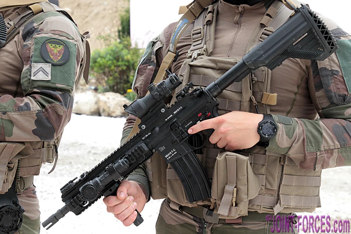 Quan doi Phap chon sung truong tan cong HK-416F lam vu khi chinh