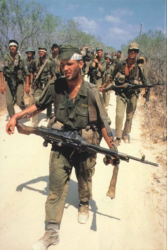 5 khau sung bo binh lam len lich su nha nuoc Israel-Hinh-7