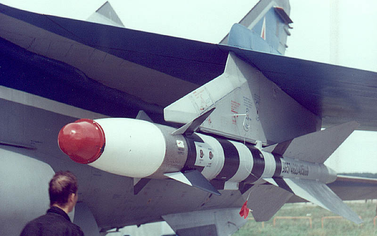 My tung run so truoc loai tiem kich bay nhanh hon ten lua phong khong-Hinh-16