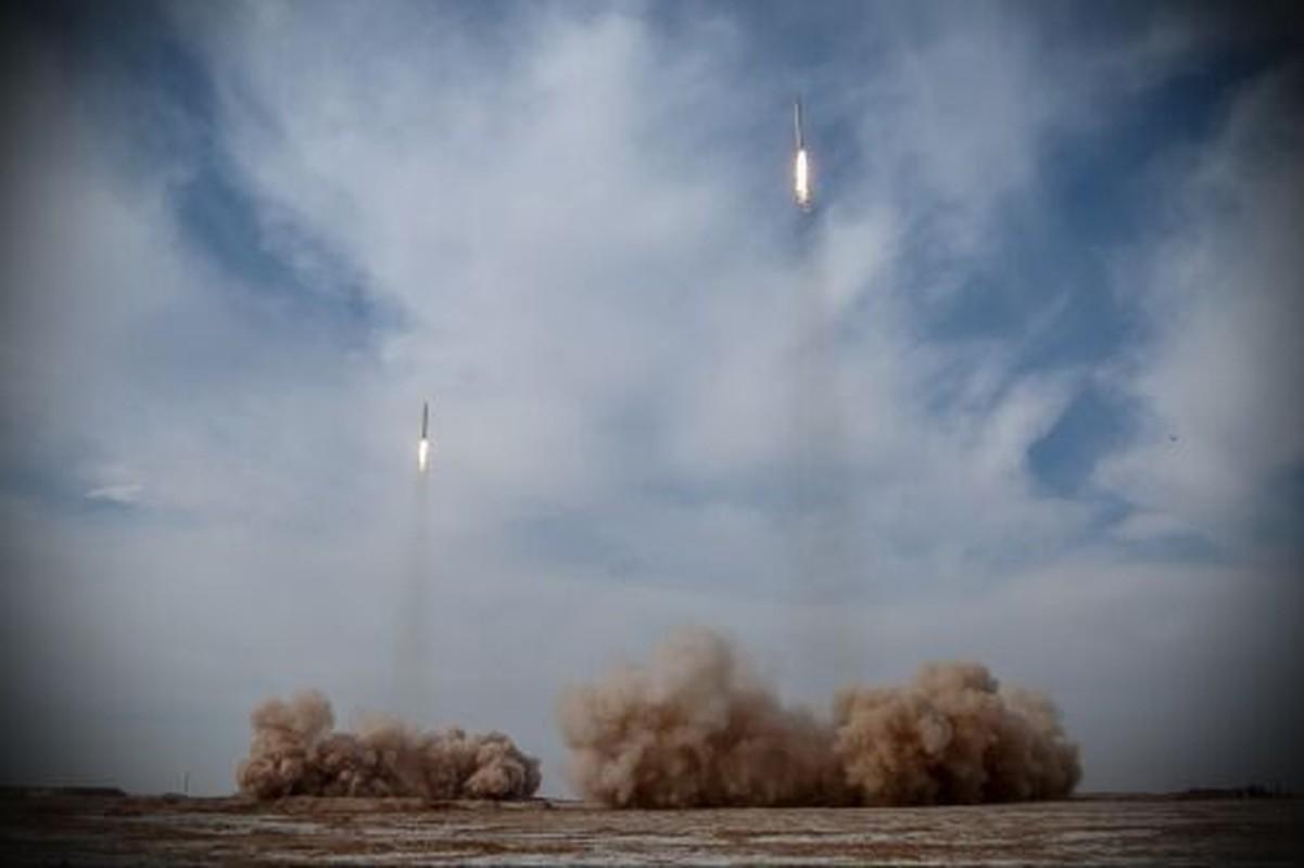 Iran phong ten lua dan dao tieu diet muc tieu cach 1.800km-Hinh-4