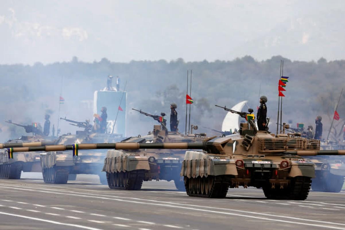 Pakistan co gi de doi dau 1.000 xe tang T-90 cua Quan doi An Do-Hinh-2