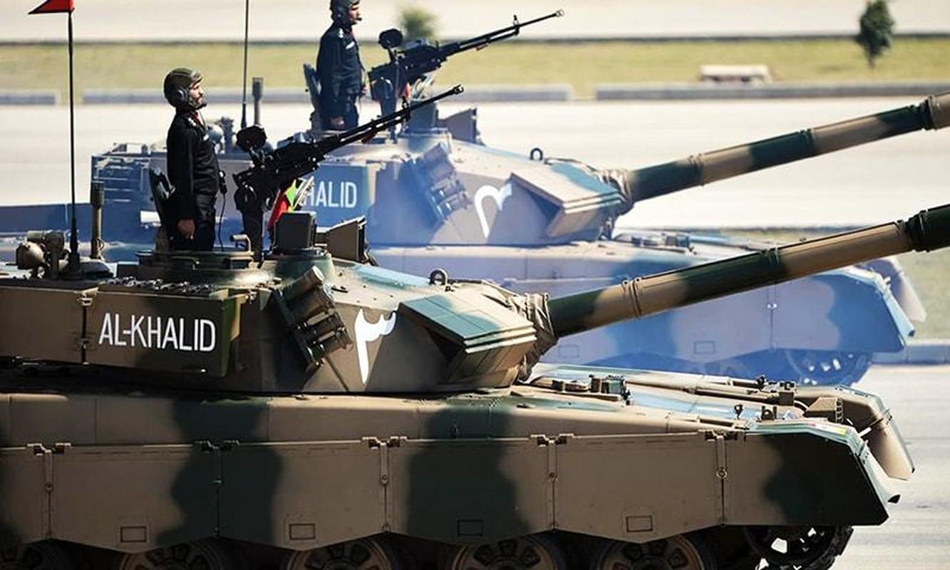 Pakistan co gi de doi dau 1.000 xe tang T-90 cua Quan doi An Do-Hinh-5