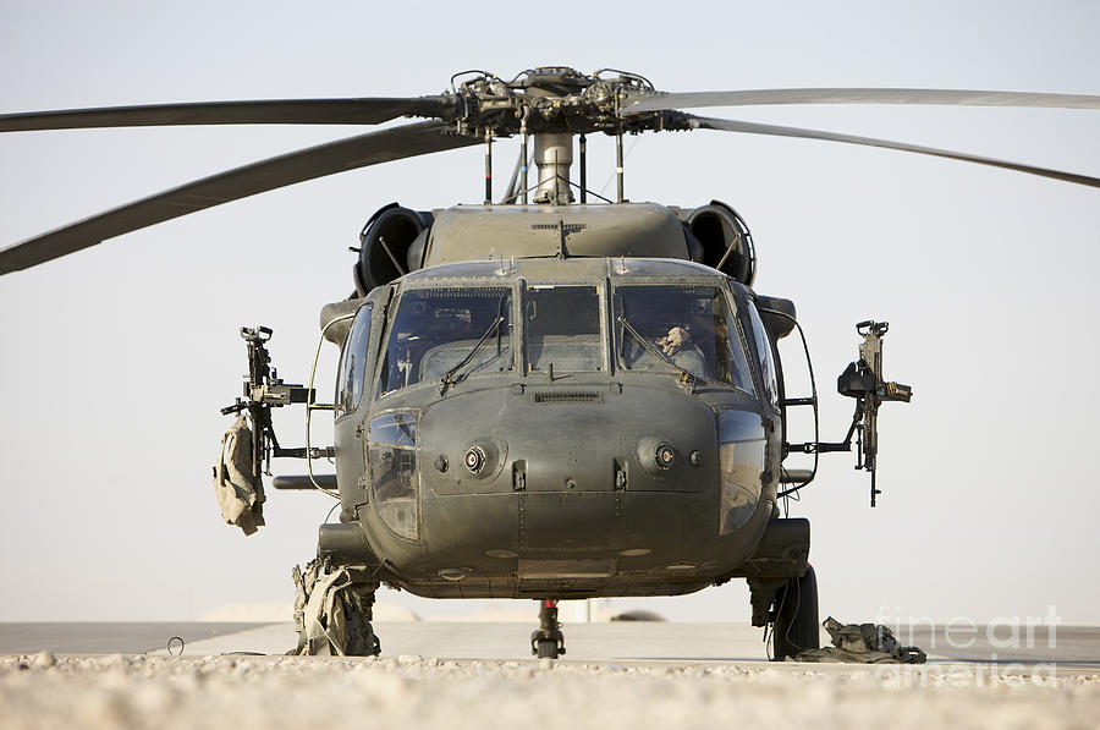 Dieu gi bien UH-60 Black Hawk tro thanh loai truc thang huyen thoai?-Hinh-11