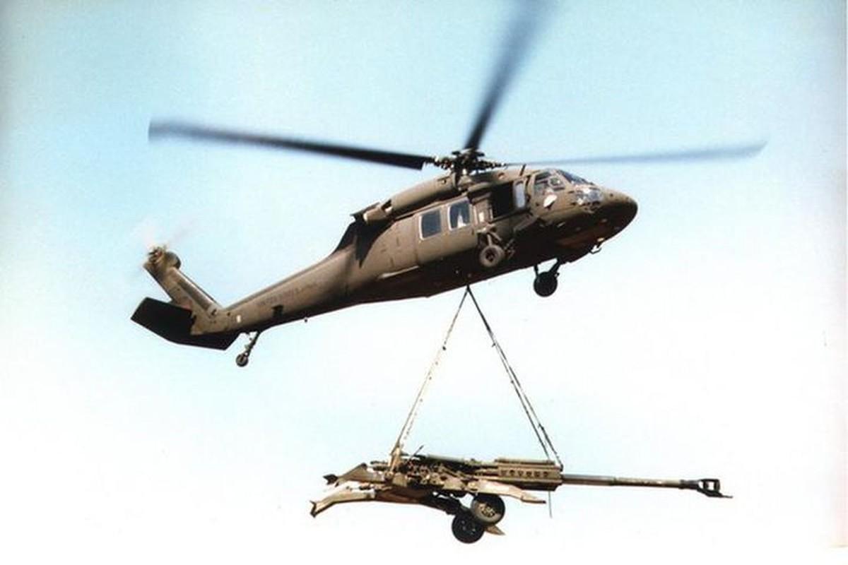 Dieu gi bien UH-60 Black Hawk tro thanh loai truc thang huyen thoai?-Hinh-14