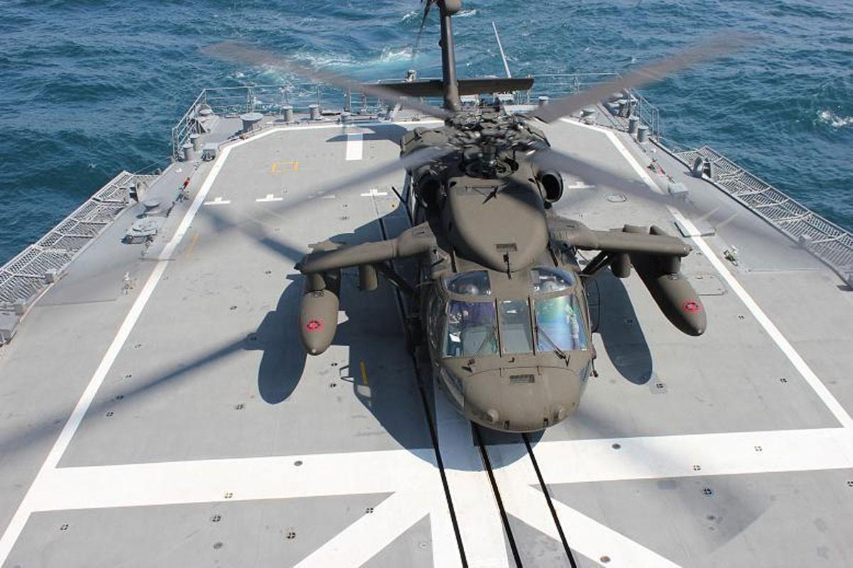 Dieu gi bien UH-60 Black Hawk tro thanh loai truc thang huyen thoai?-Hinh-9