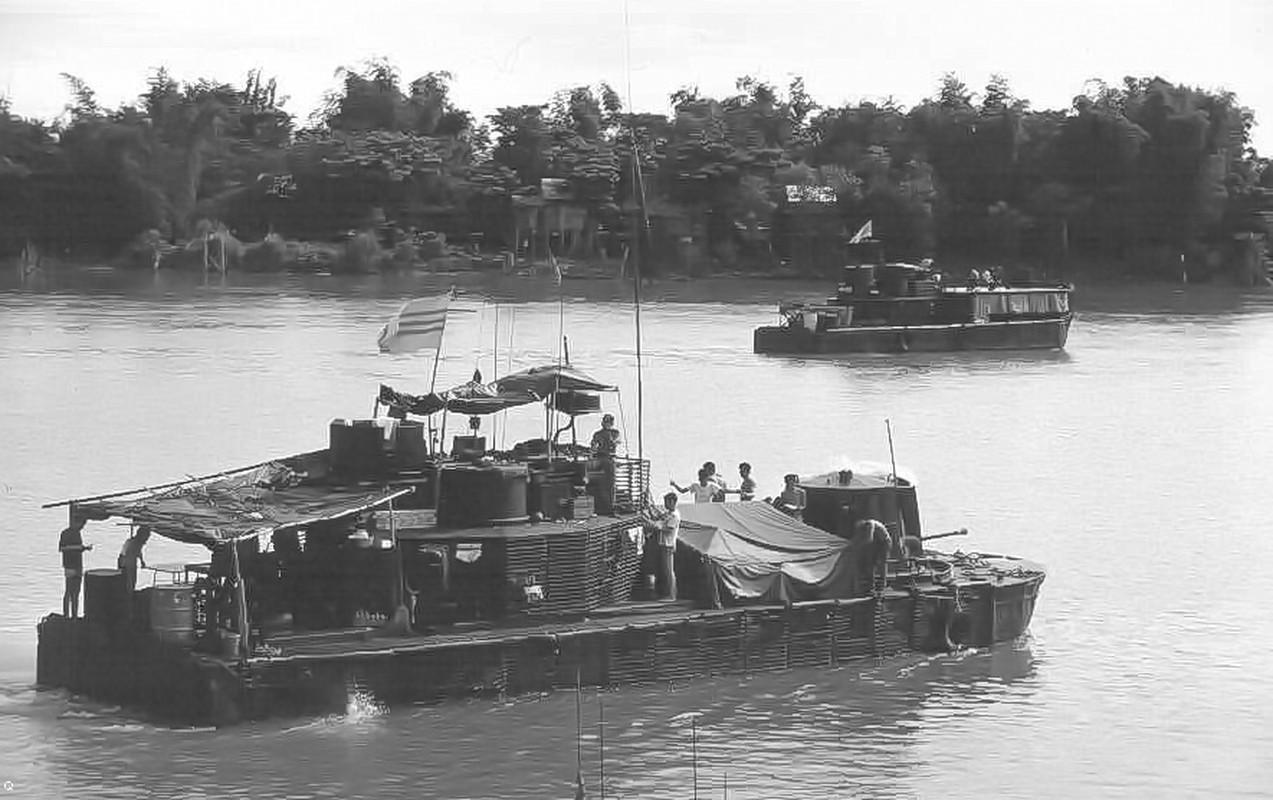 My than phuc phi vu Dac cong Viet Nam danh chim tau san bay-Hinh-7