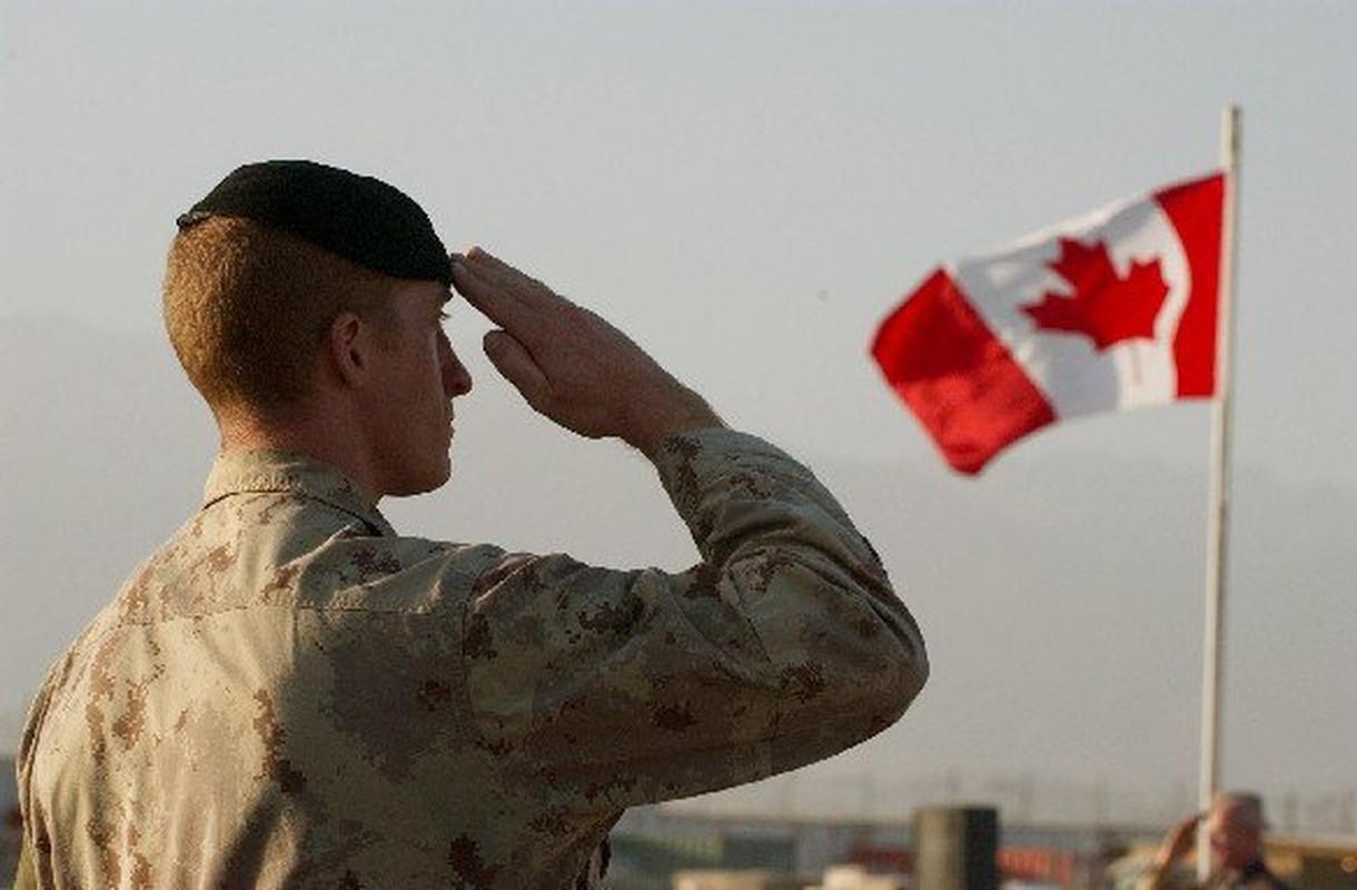 Bo binh Quan doi Canada: Hoa ra khong chi la san sau cua My