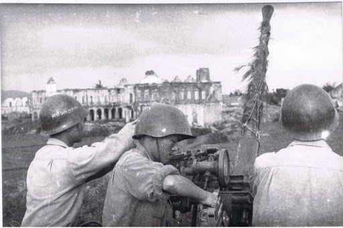Nhung khau phao cao xa cua Viet Nam tung khien Phap kinh so-Hinh-14
