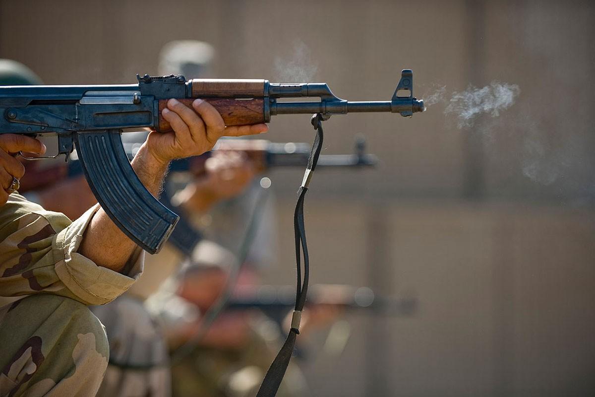 Mau sung hien dai hon AK-74 nhung van bi Nga cho
