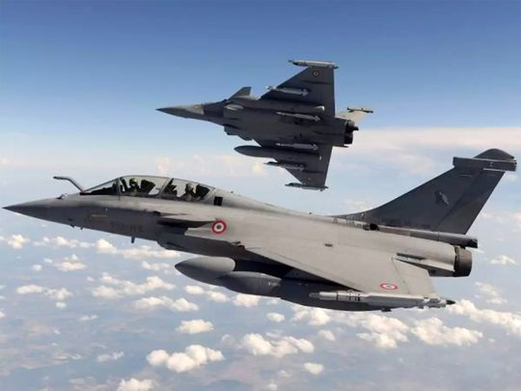 Trung Quoc tim cach nang cap J-20 de doi dau Rafale cua An Do-Hinh-5